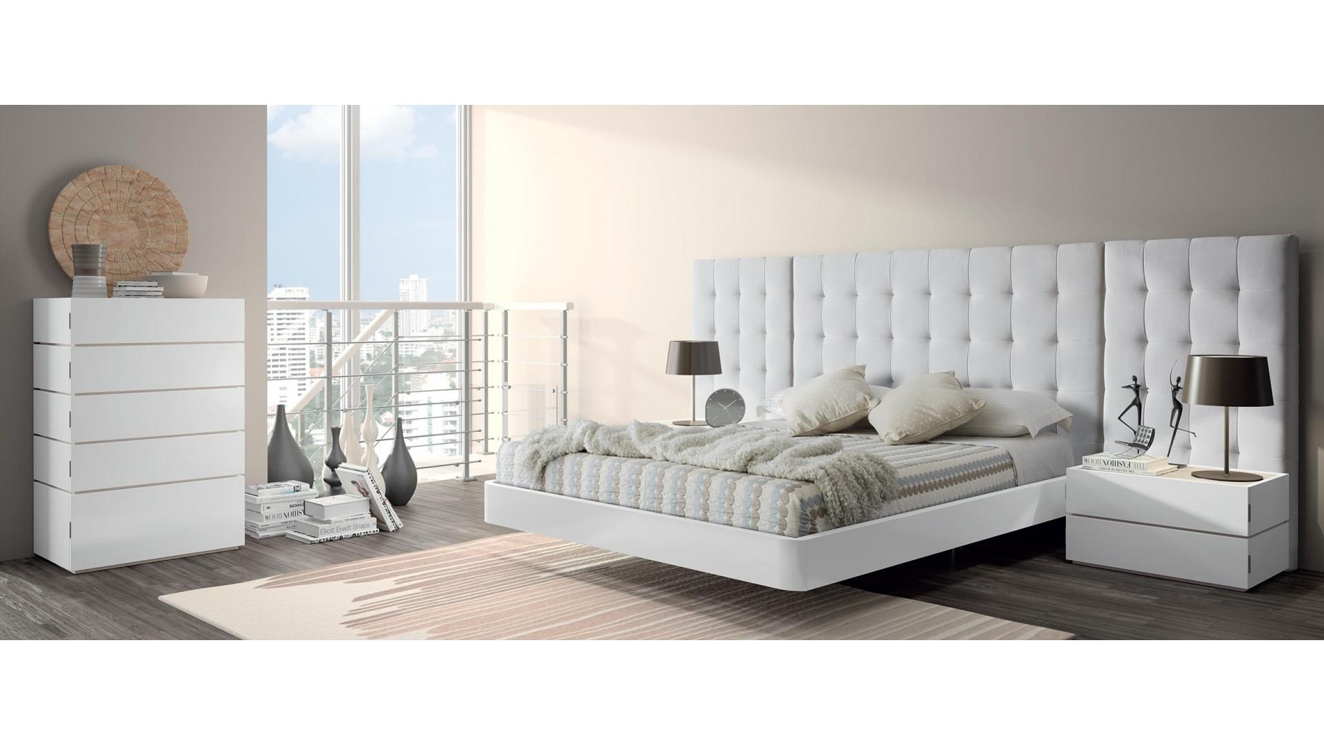 Miegamojo-kambario-baldai-lovos-miegamojo