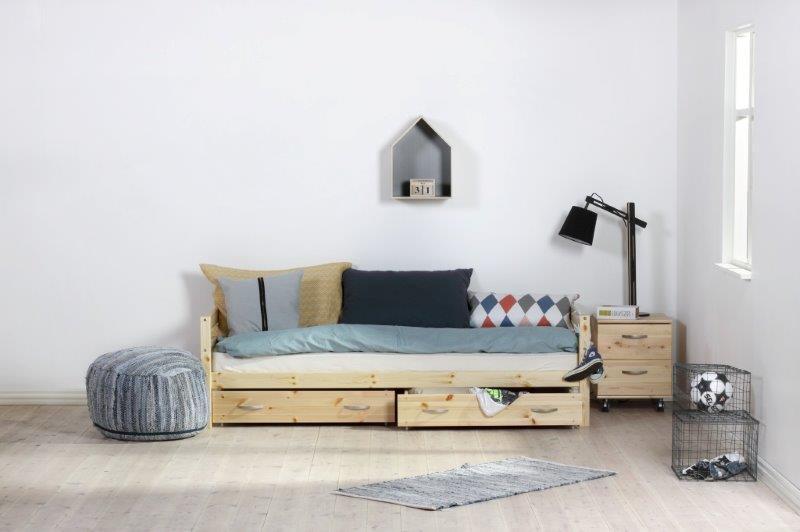 Viengulės-lovos-jaunuolio-kambariui-lovos-vaikams