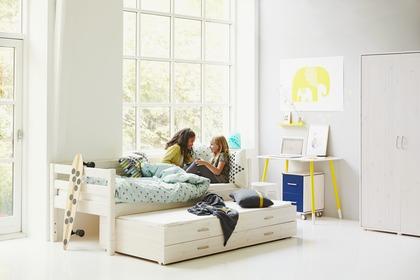 Viengules-lovos-dviems-jaunuoliams-isvaziuojanti-lova