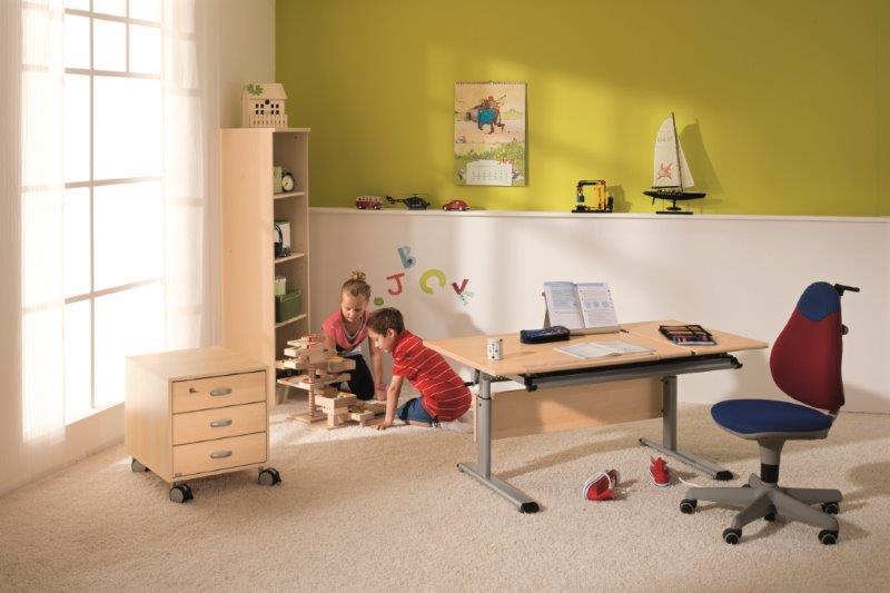 Augantys-rasomieji-stalai-vaikams-Marco2gt