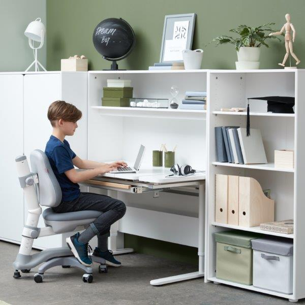 Study furniture Flexa for children's room.