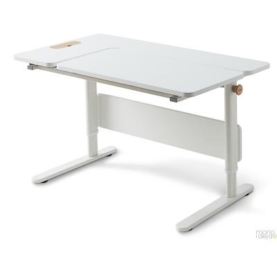 Augantis stalas Moby